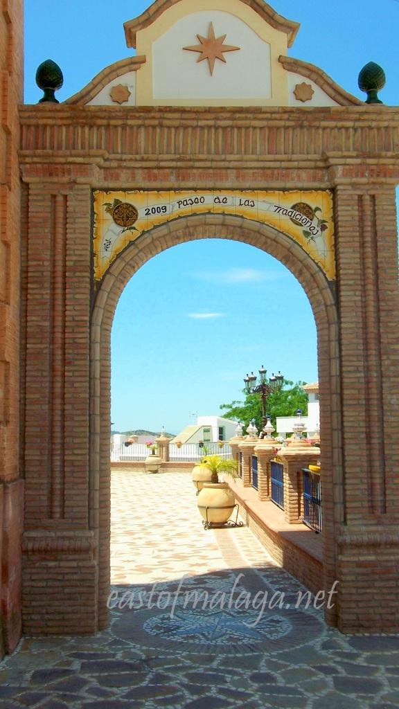 Archway into El Paseo de las Traditiones, Cómpeta, Spain