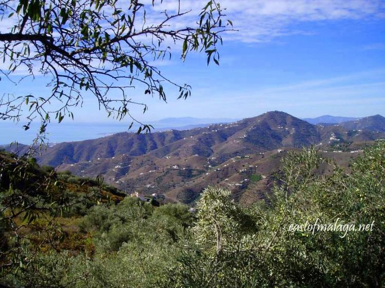 View across to the coast, east of Málaga, in autumn