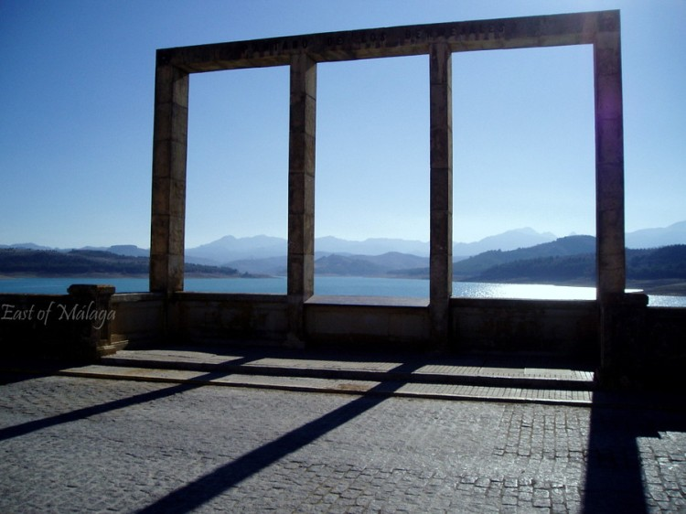 Overlooking Bermejales Lake, Andalucía