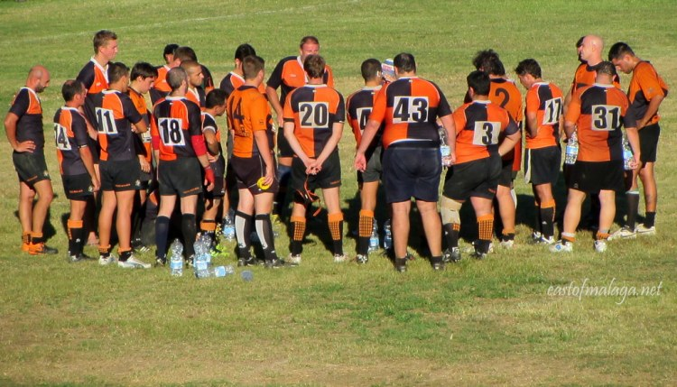 Rugby Axarquia team huddle