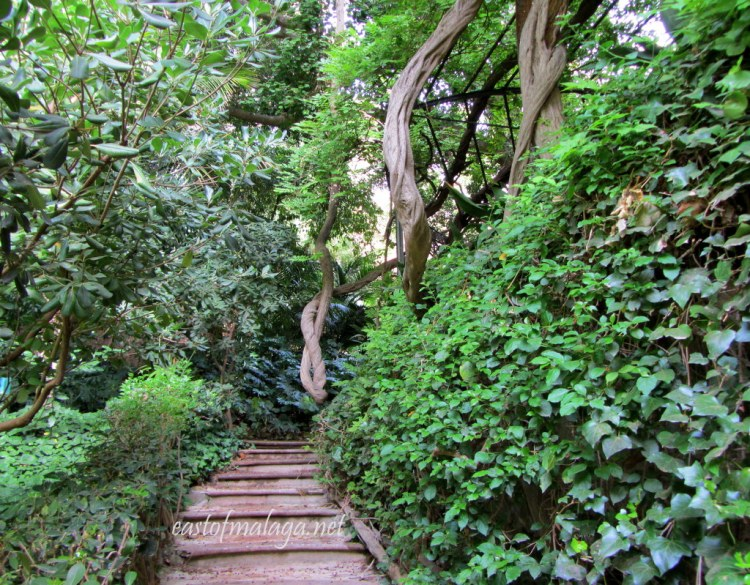 Steps leading to the dining arbout, Jardin Concepcion, Malaga