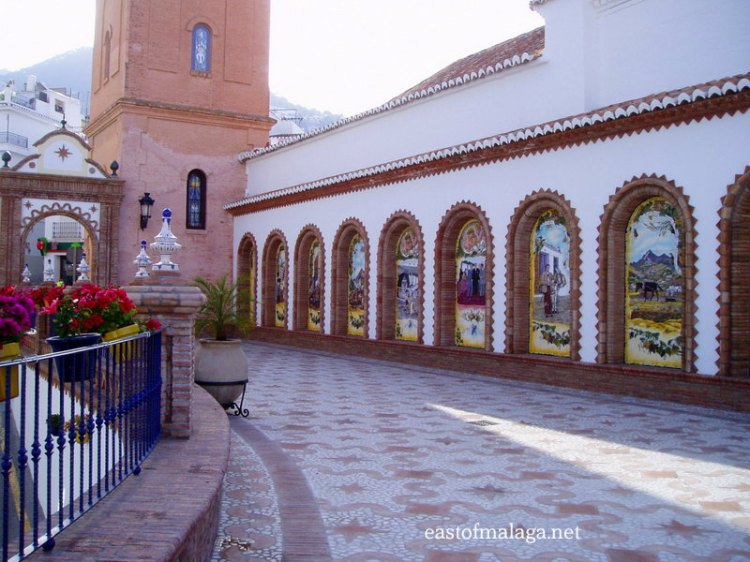 El paseo de las traditions, Competa, Spain
