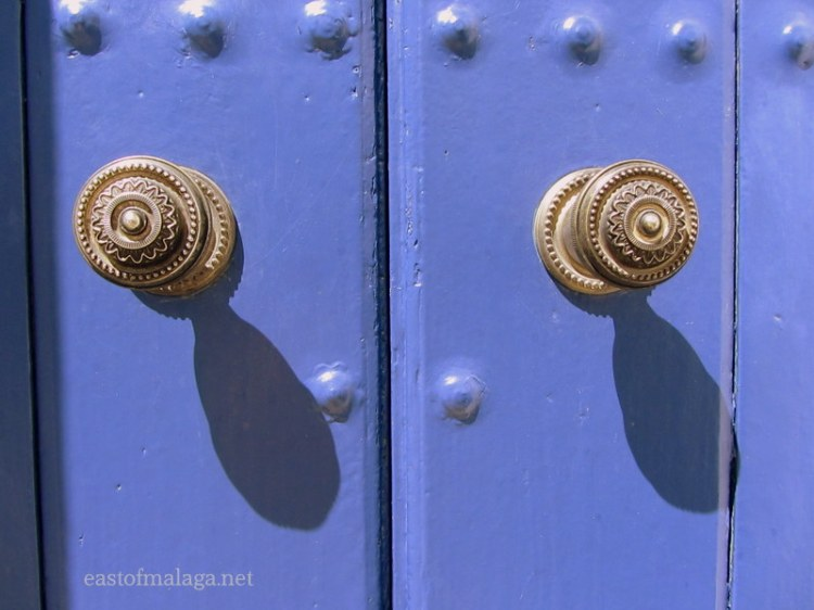 Pair of door knobs in Frigiliana