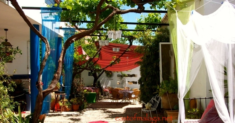 Courtyard of El Molino de los Abuelos, Comares