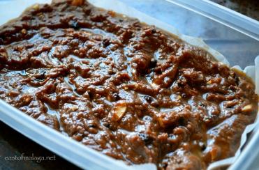 Spread the fudge mixture into a container