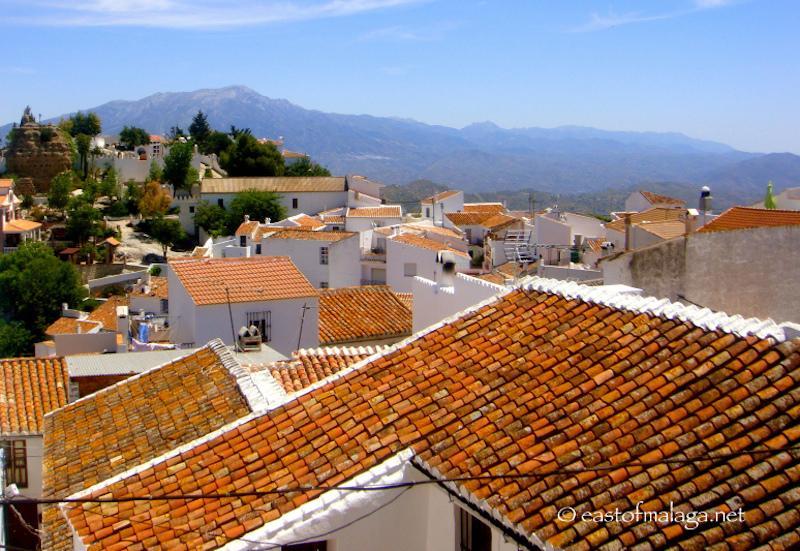 Cbbh Photo Challenge Across The Rooftops East Of M 225 Laga