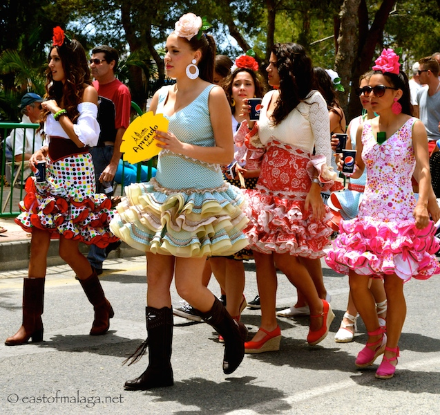 Short Spanish dresses, Nerja