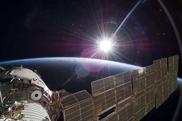 640px-STS-129_Zvezda_sunrise