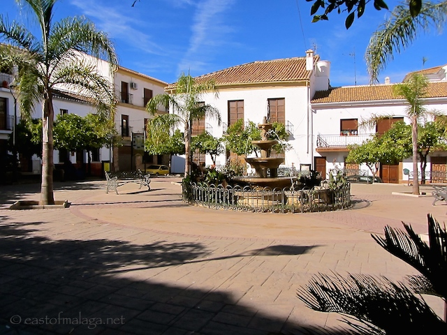 A pretty square in the village of Colmenar